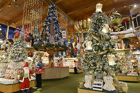 Bronner's December 2014 Enews | Bronner's CHRISTmas Wonderland
